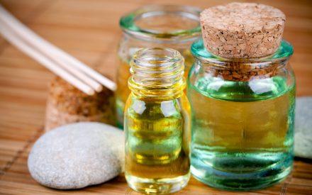 Métodos de evaluación de la actividad antimicrobiana y de determinación de los componentes químicos de los aceites esenciales