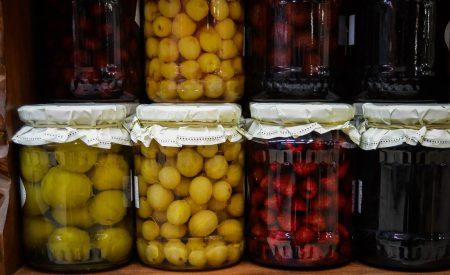 Microorganismos de importancia en el tratamiento térmico de alimentos ácidos y de alta acidez